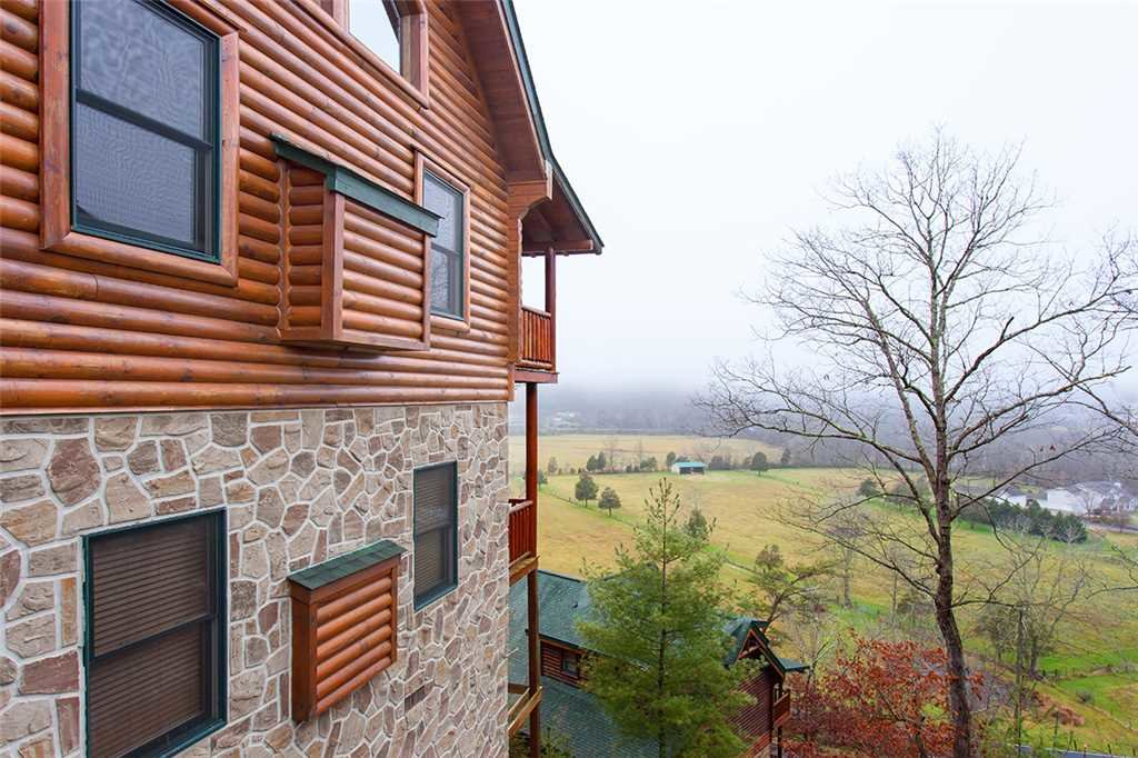 Photo of a Pigeon Forge Cabin named Valley Vista - This is the forty-ninth photo in the set.