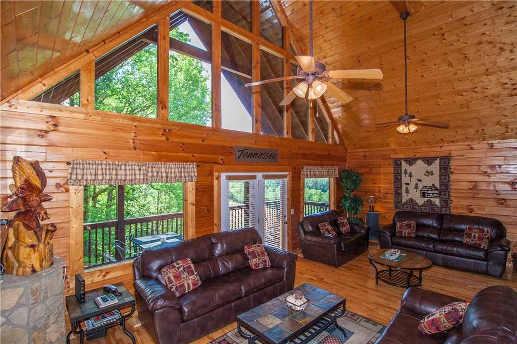 Photo of a Sevierville Cabin named Smoky Mountain Retreat - This is the first photo in the set.
