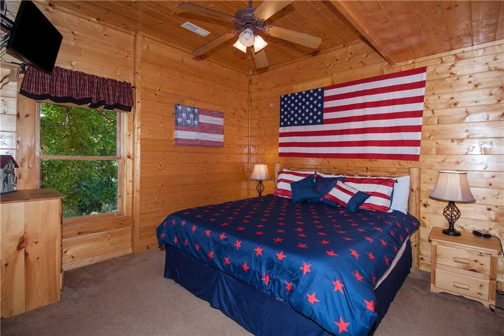 Photo of a Sevierville Cabin named Smoky Mountain Retreat - This is the seventeenth photo in the set.