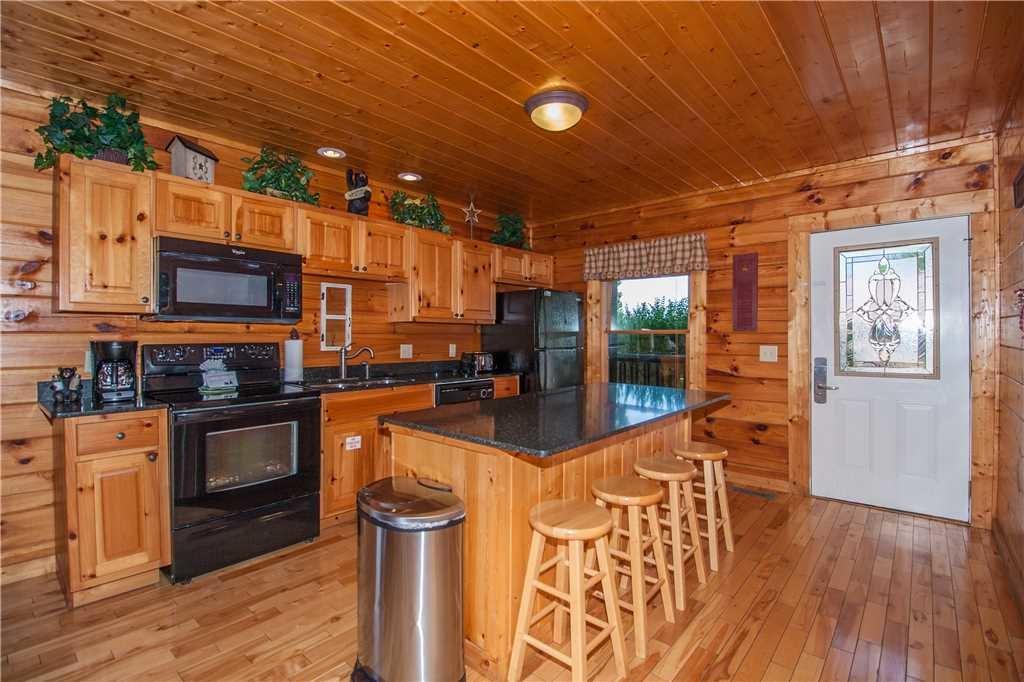 Photo of a Sevierville Cabin named Smoky Mountain Retreat - This is the eighth photo in the set.