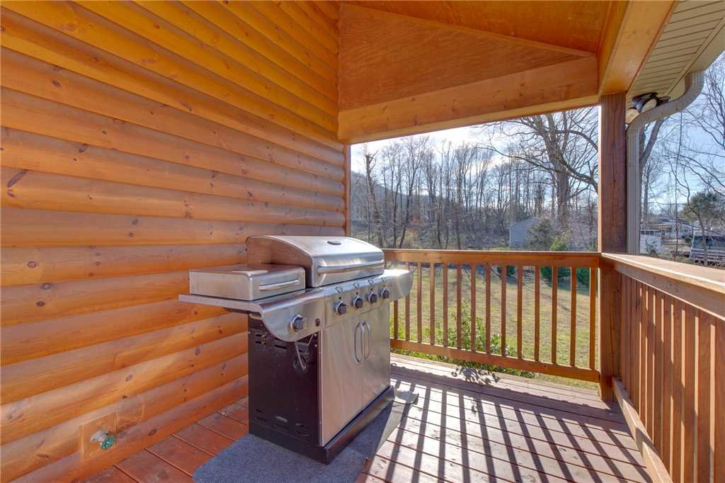 Photo of a Gatlinburg Cabin named Orchard Hideaway - This is the third photo in the set.
