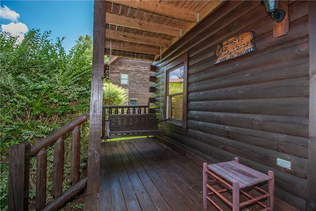 Photo of a Sevierville Cabin named Smoky Mountain Retreat - This is the thirty-fourth photo in the set.