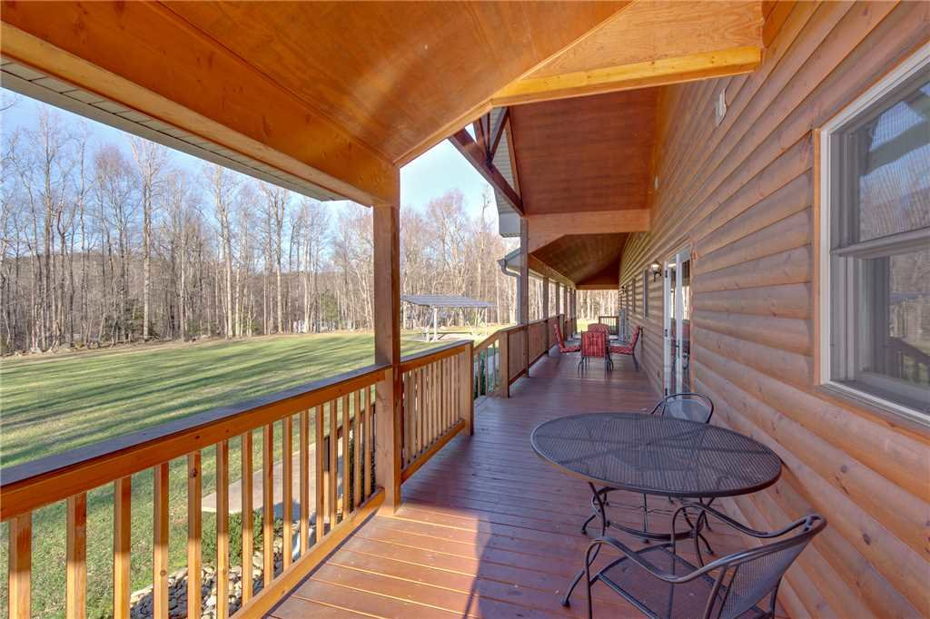 Photo of a Gatlinburg Cabin named Orchard Hideaway - This is the twenty-second photo in the set.