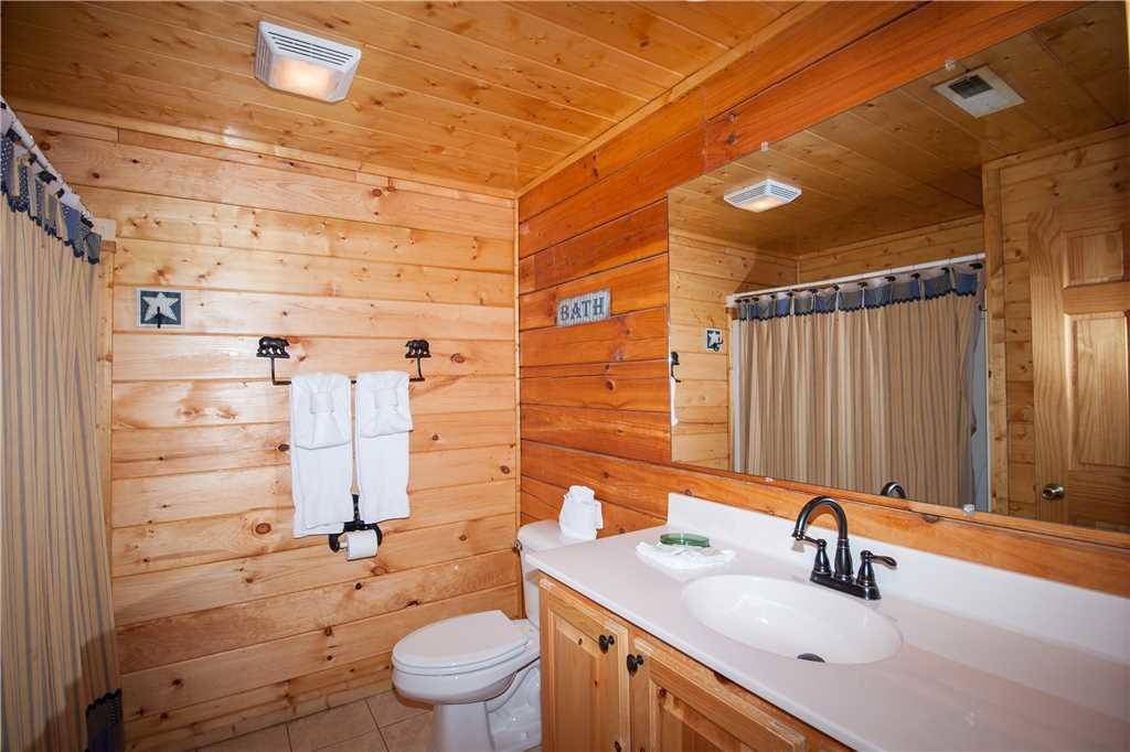 Photo of a Sevierville Cabin named Smoky Mountain Retreat - This is the twenty-second photo in the set.