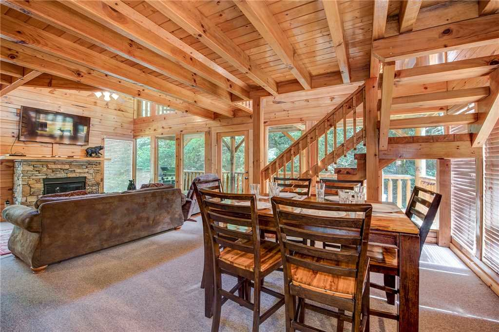 Photo of a Sevierville Cabin named Creekside Romance - This is the fifth photo in the set.