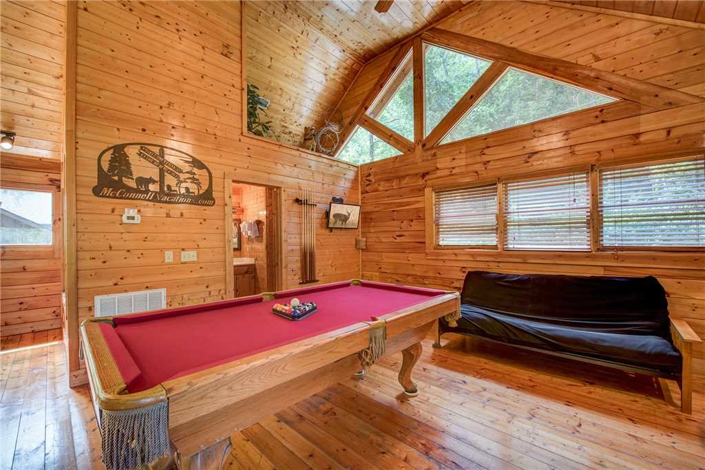 Photo of a Sevierville Cabin named Creekside Romance - This is the tenth photo in the set.