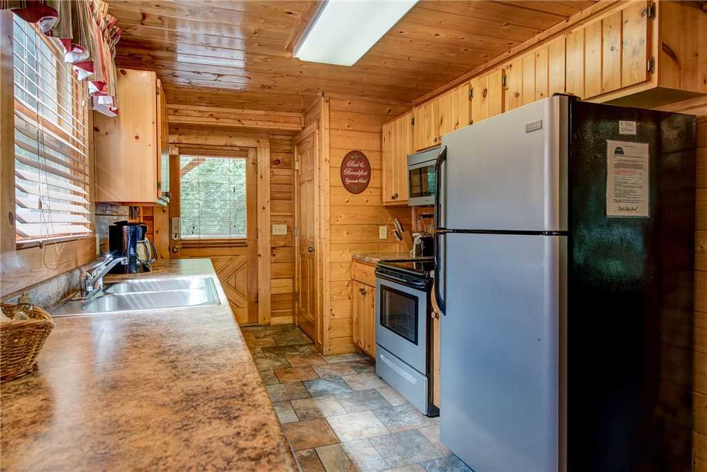 Photo of a Sevierville Cabin named Creekside Romance - This is the seventh photo in the set.