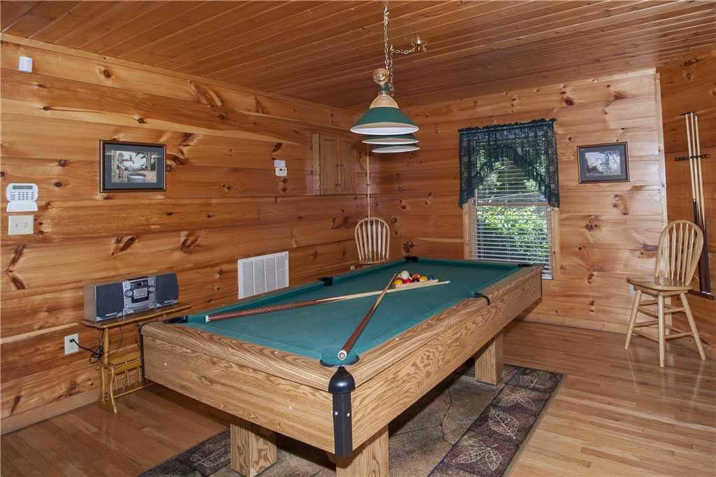 Photo of a Gatlinburg Cabin named Hummingbird Hideaway - This is the eighth photo in the set.