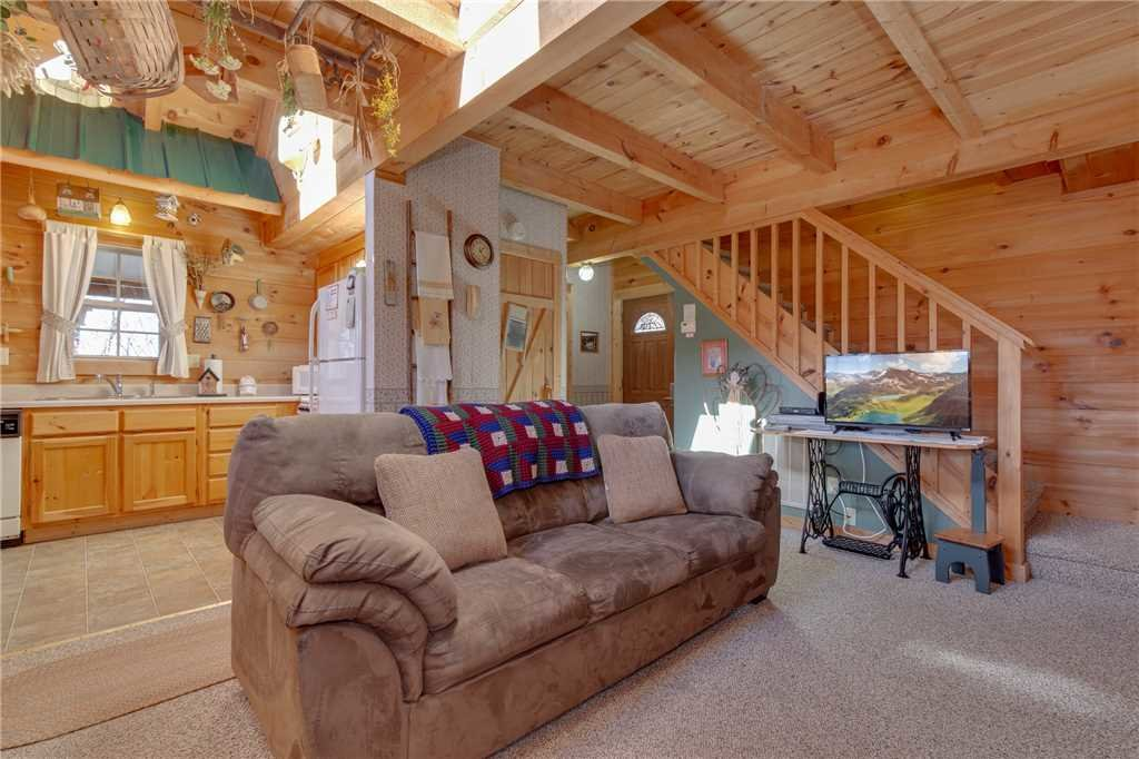 Photo of a Gatlinburg Cabin named Silver Moon - This is the first photo in the set.