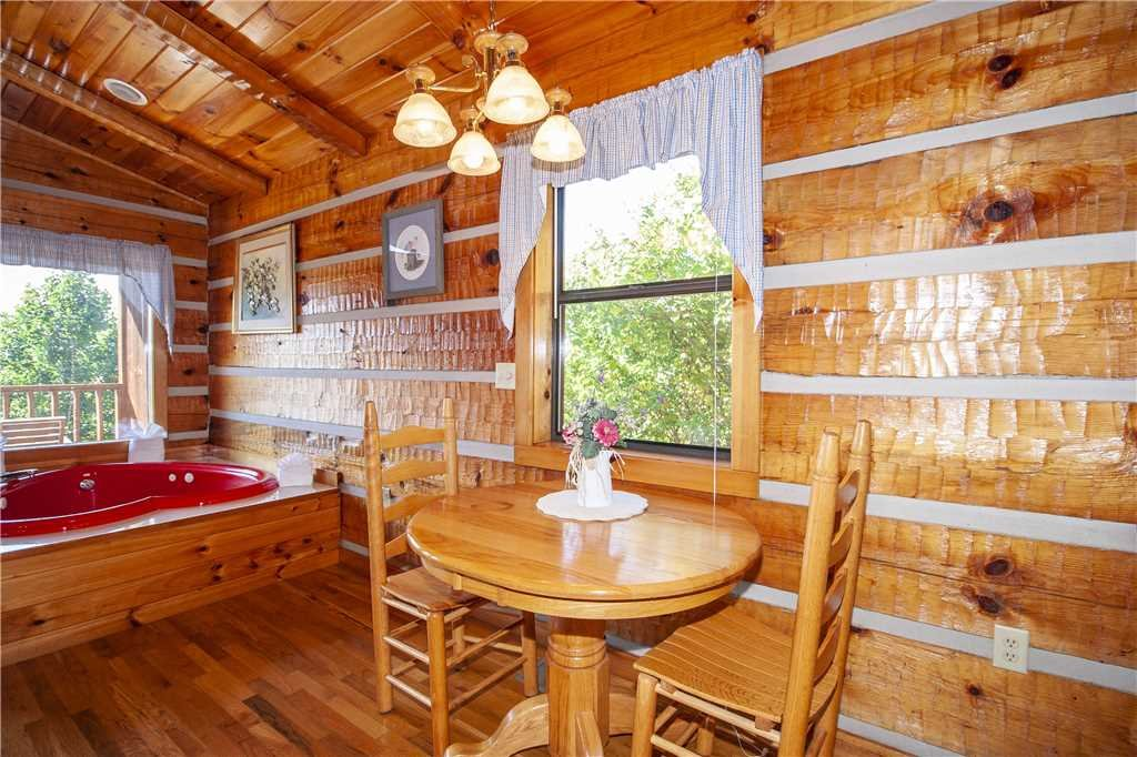 Photo of a Gatlinburg Cabin named Love Me Tender - This is the fifth photo in the set.
