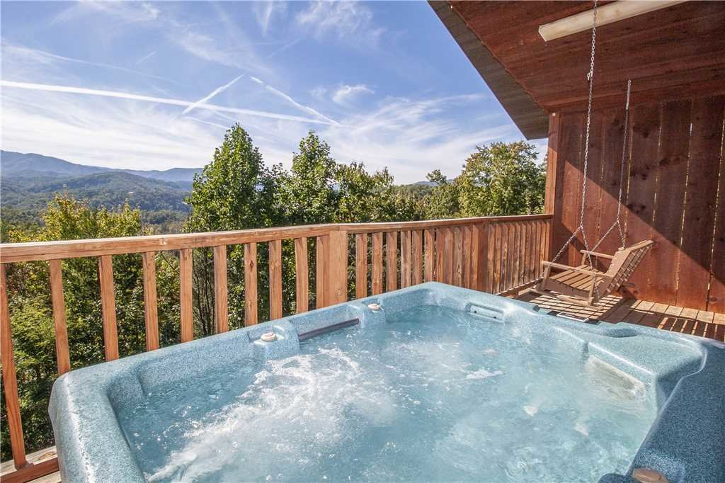 Photo of a Gatlinburg Cabin named Love Me Tender - This is the first photo in the set.