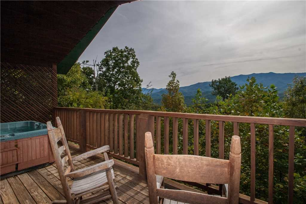 Photo of a Gatlinburg Cabin named Kear's Mountain Magic - This is the eleventh photo in the set.