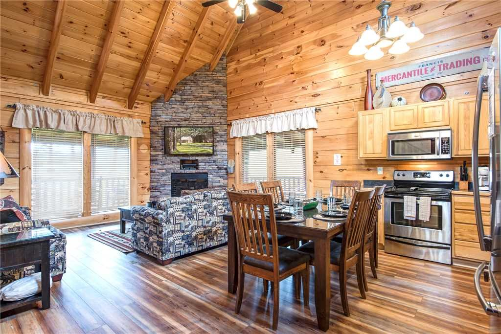 Photo of a Sevierville Cabin named Appalachian Dream - This is the fifth photo in the set.