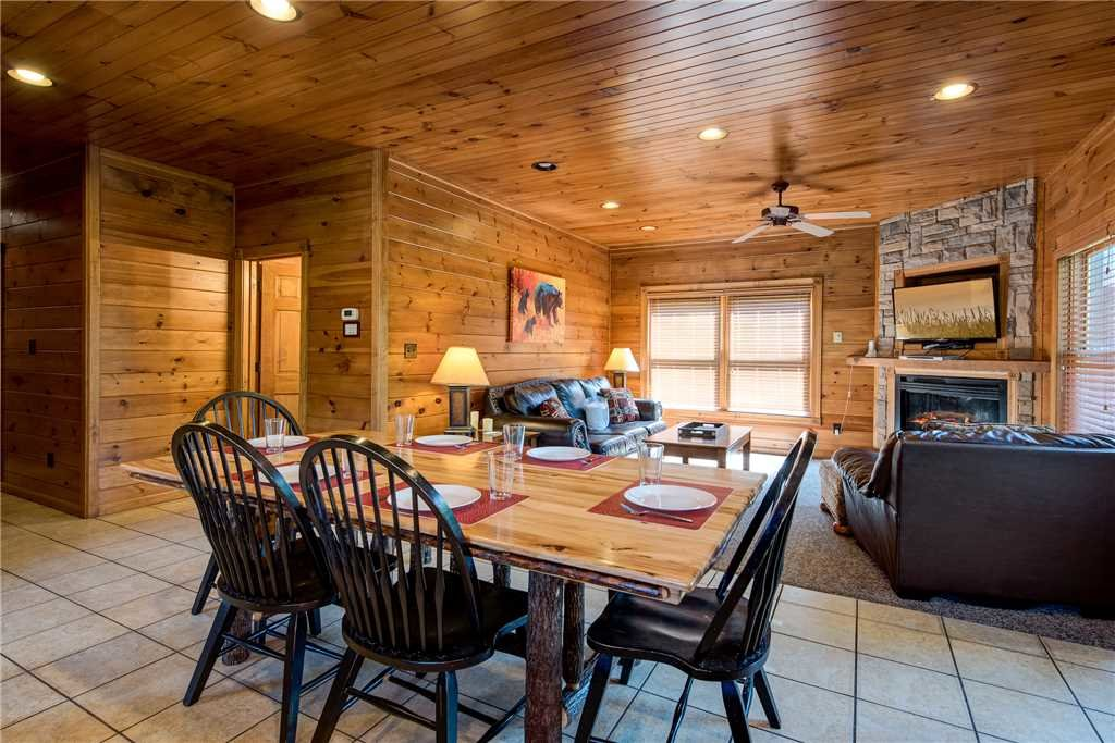 Photo of a Gatlinburg Cabin named Gatlinburg Majesty - This is the sixth photo in the set.