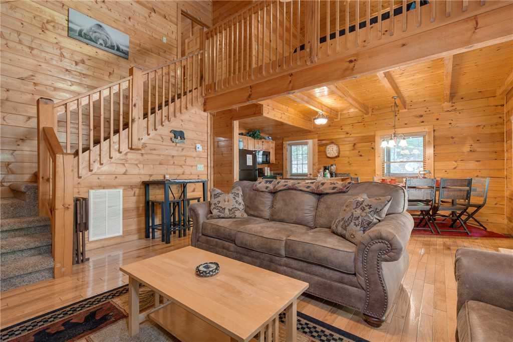 Photo of a Pigeon Forge Cabin named A Mountain Paradise - This is the fourth photo in the set.