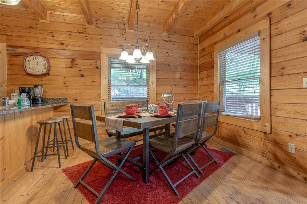 Photo of a Pigeon Forge Cabin named A Mountain Paradise - This is the fifth photo in the set.