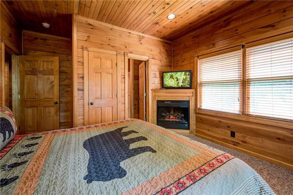 Gatlinburg Majesty Cabin In Gatlinburg W 4 Br Sleeps14