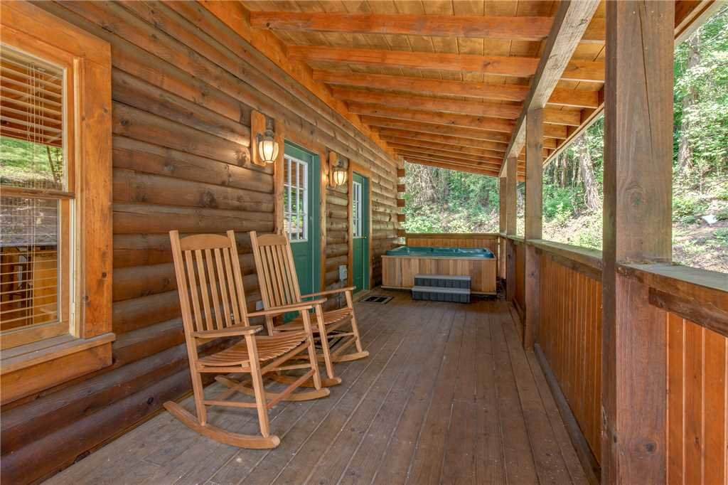 Photo of a Pigeon Forge Cabin named A Mountain Paradise - This is the fifteenth photo in the set.