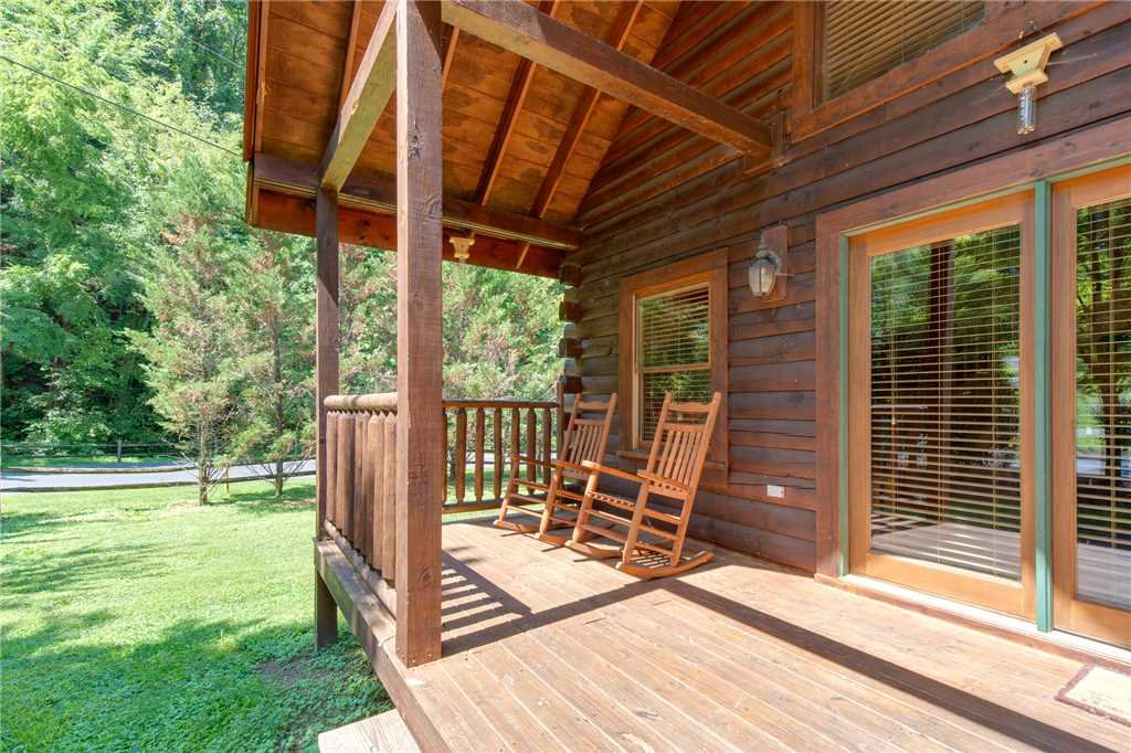 Photo of a Pigeon Forge Cabin named A Mountain Paradise - This is the sixteenth photo in the set.