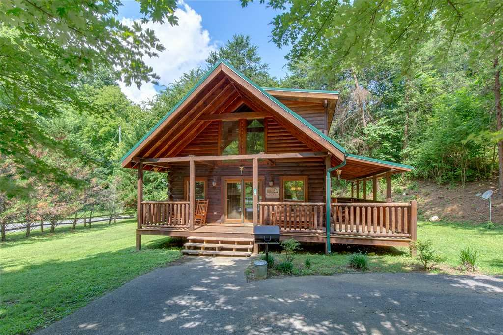 Photo of a Pigeon Forge Cabin named A Mountain Paradise - This is the eighteenth photo in the set.
