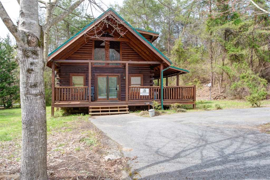 Photo of a Pigeon Forge Cabin named A Mountain Paradise - This is the twentieth photo in the set.