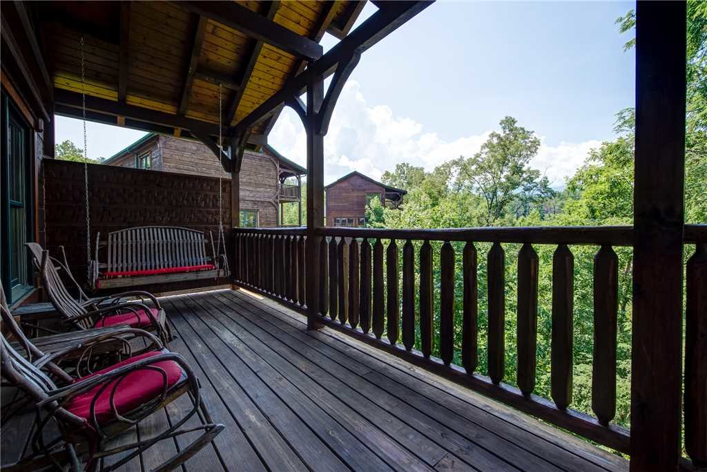 Photo of a Gatlinburg Cabin named Gatlinburg Majesty - This is the twenty-fifth photo in the set.