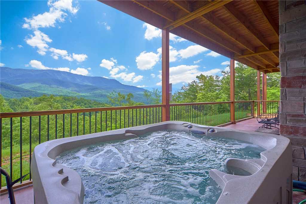 Photo of a Gatlinburg Cabin named Star Dancer - This is the second photo in the set.