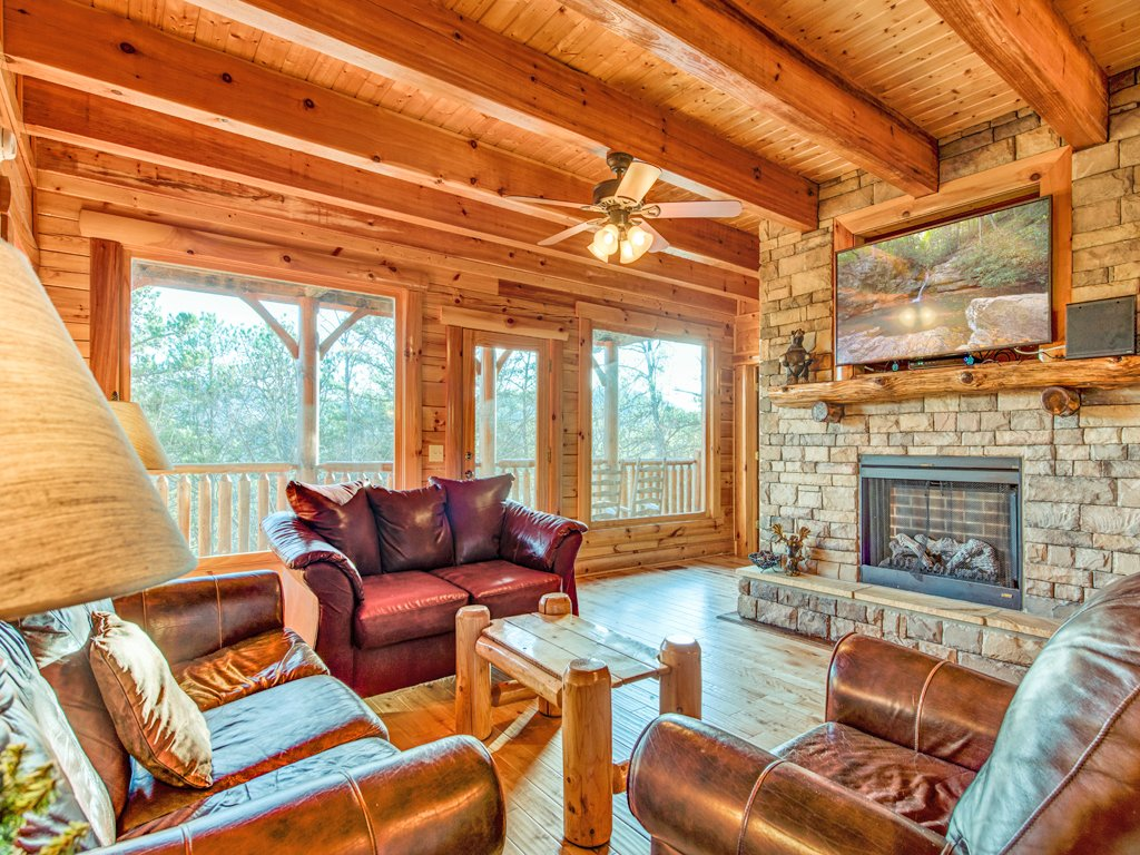 Photo of a Pigeon Forge Cabin named Majestic Highbearnation - This is the fourth photo in the set.
