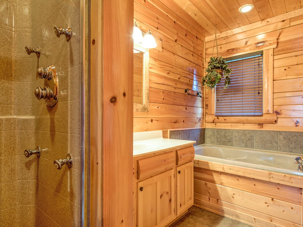 Photo of a Pigeon Forge Cabin named Majestic Highbearnation - This is the nineteenth photo in the set.