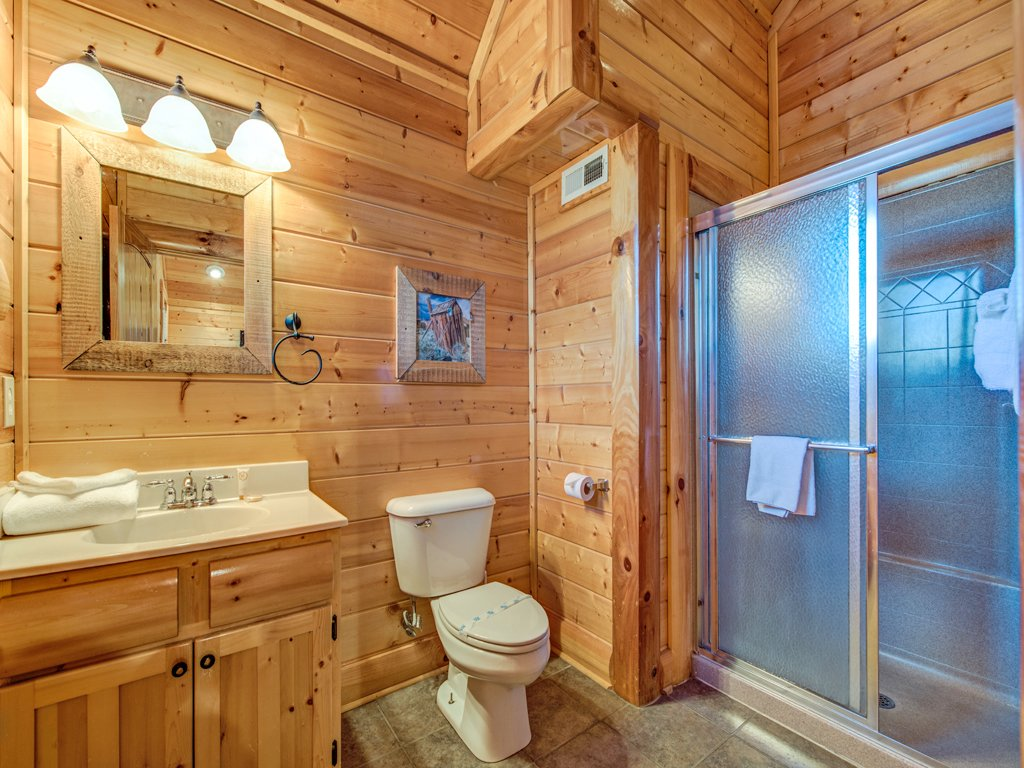 Photo of a Pigeon Forge Cabin named Majestic Highbearnation - This is the twenty-third photo in the set.