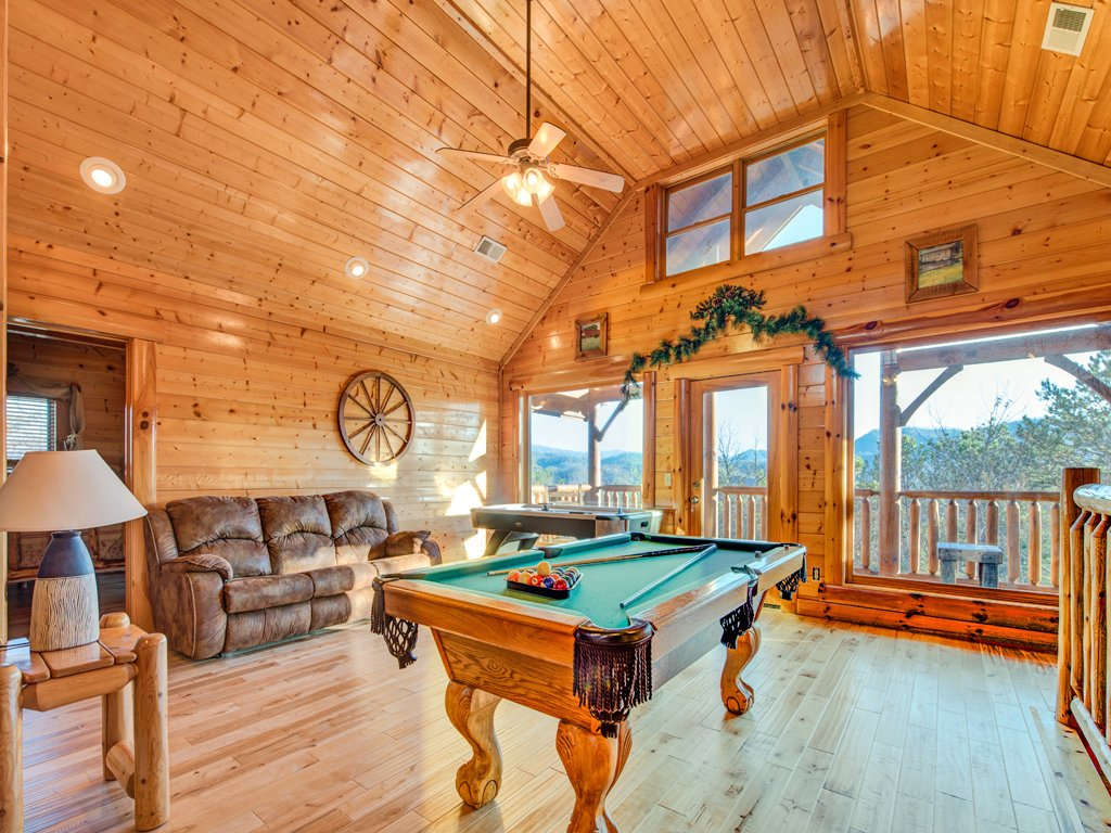 Photo of a Pigeon Forge Cabin named Majestic Highbearnation - This is the tenth photo in the set.