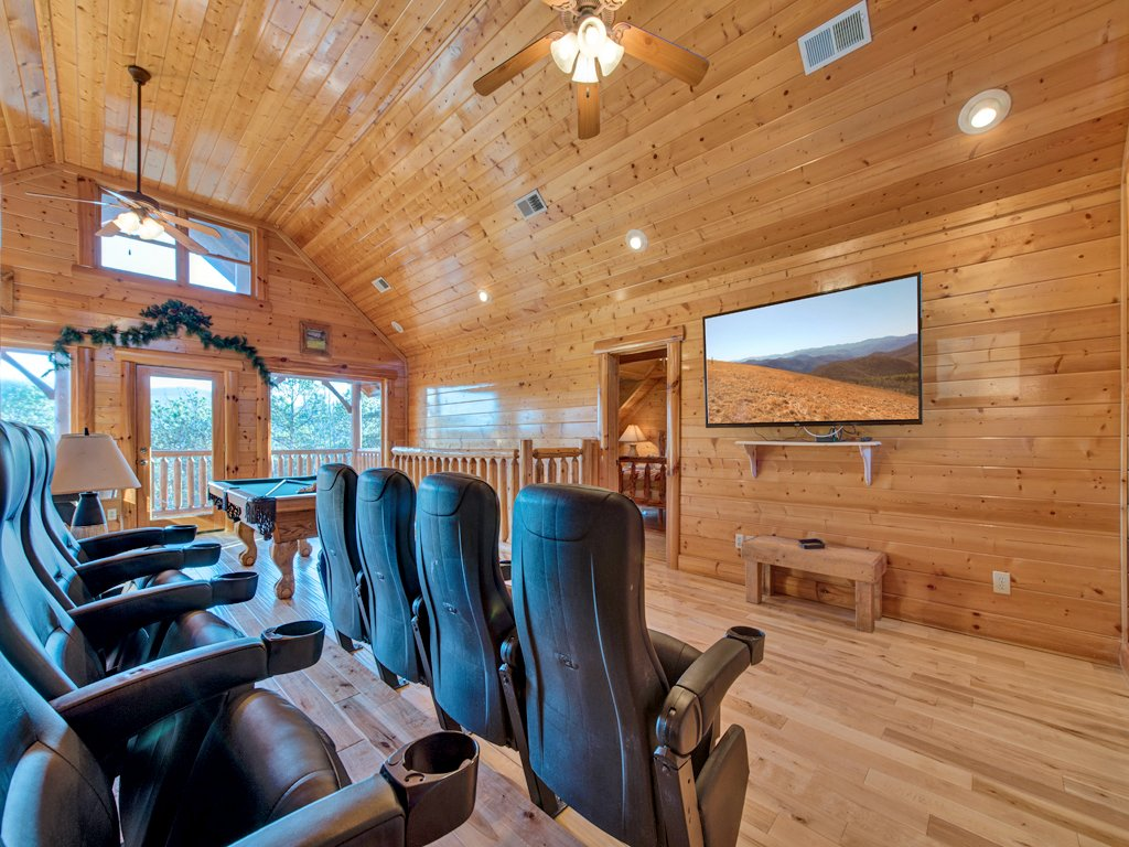 Photo of a Pigeon Forge Cabin named Majestic Highbearnation - This is the twelfth photo in the set.