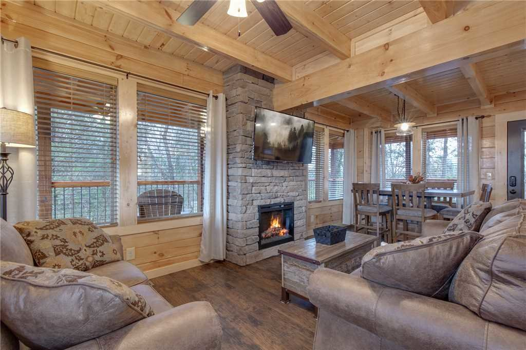 Photo of a Pigeon Forge Cabin named High Life - This is the first photo in the set.
