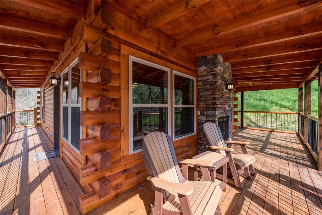 Photo of a Pigeon Forge Cabin named Woodland Escape - This is the fourth photo in the set.