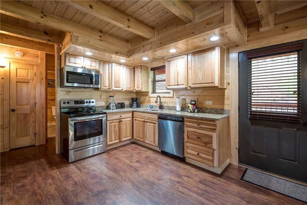 Photo of a Pigeon Forge Cabin named Woodland Escape - This is the eighth photo in the set.