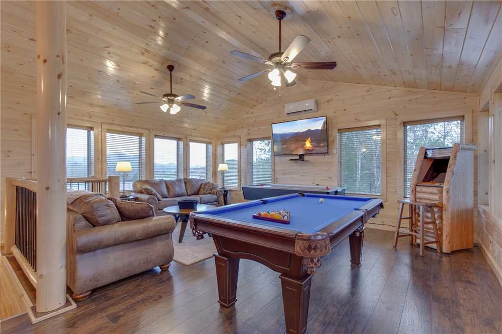 Photo of a Pigeon Forge Cabin named High Life - This is the ninth photo in the set.