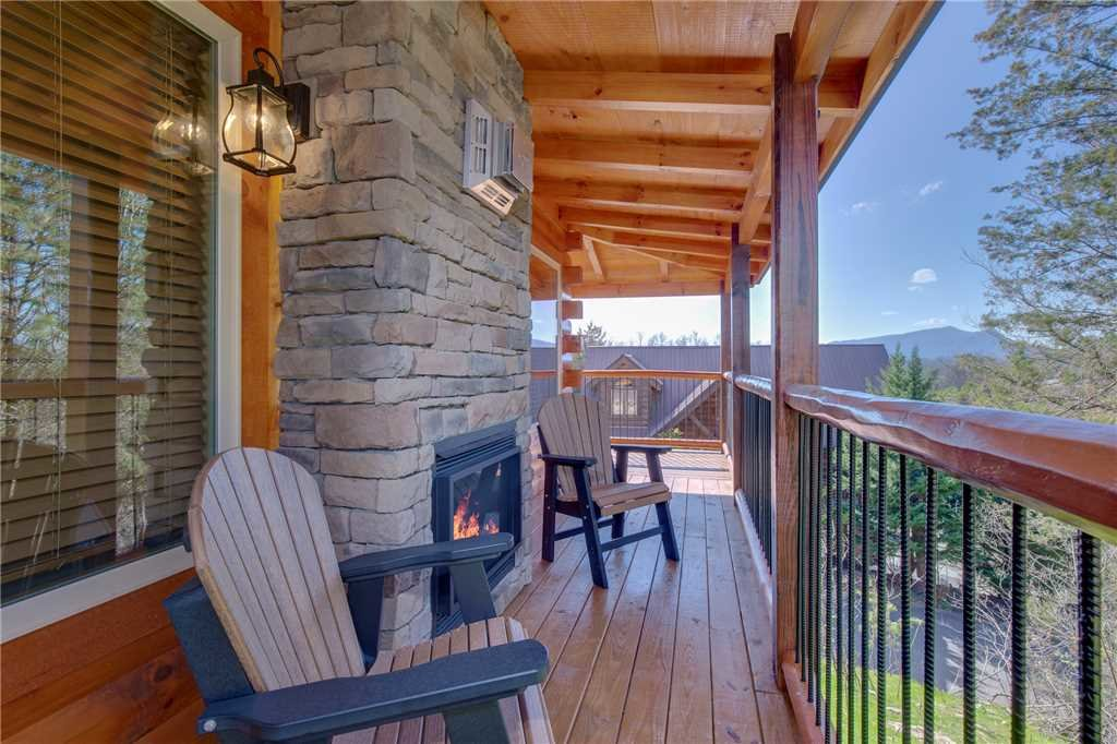Photo of a Pigeon Forge Cabin named High Life - This is the twenty-first photo in the set.