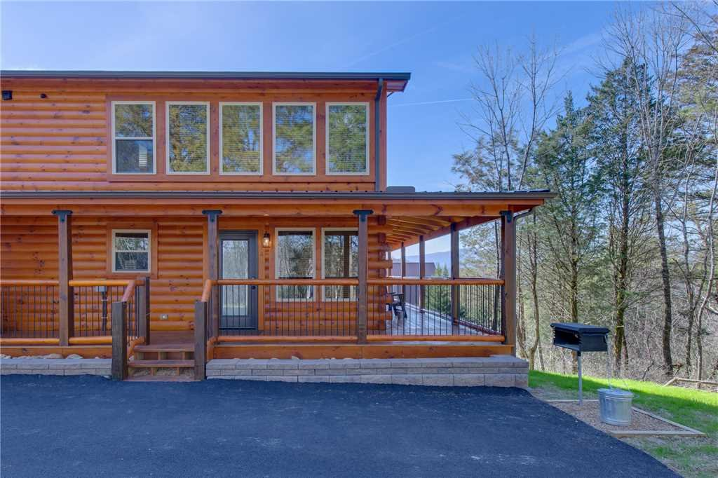 High Life in Pigeon Forge w/ 2 BR (Sleeps8)