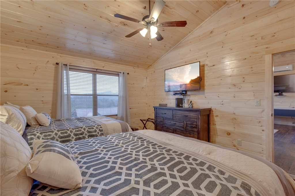 Photo of a Pigeon Forge Cabin named High Life - This is the seventeenth photo in the set.