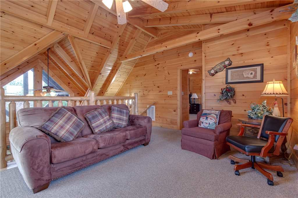 Photo of a Pigeon Forge Cabin named Destiny's Lodge - This is the fourteenth photo in the set.