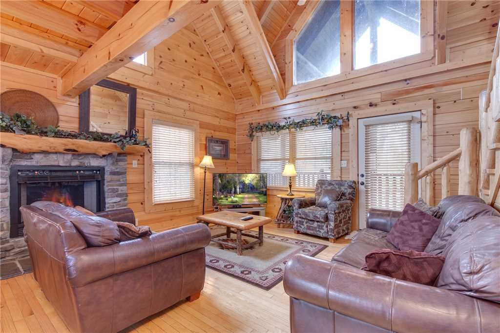 Photo of a Pigeon Forge Cabin named Destiny's Lodge - This is the first photo in the set.