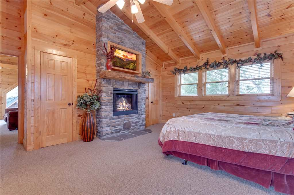 Photo of a Pigeon Forge Cabin named Destiny's Lodge - This is the seventeenth photo in the set.