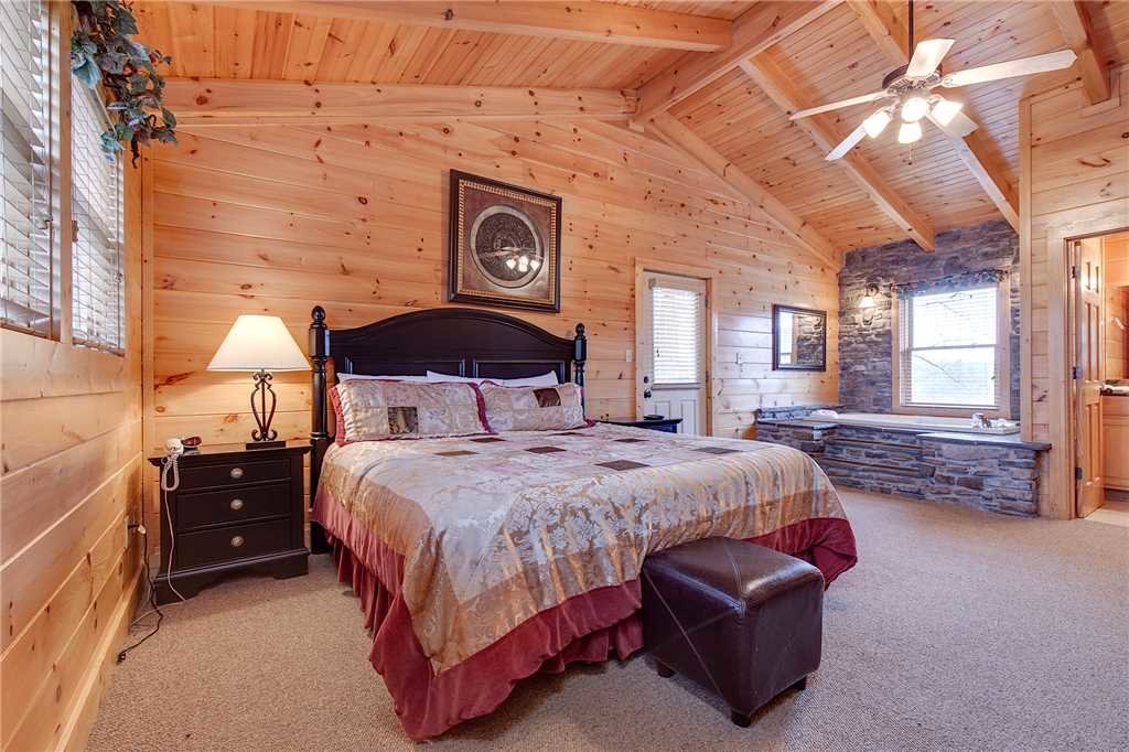 Photo of a Pigeon Forge Cabin named Destiny's Lodge - This is the sixteenth photo in the set.