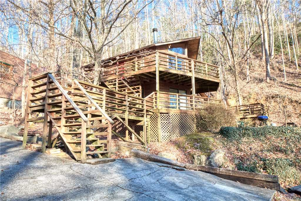 Photo of a Gatlinburg Cabin named Creekside - This is the twenty-ninth photo in the set.