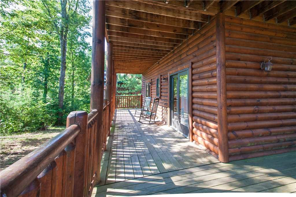 Photo of a Pigeon Forge Cabin named Destiny's Lodge - This is the thirtieth photo in the set.