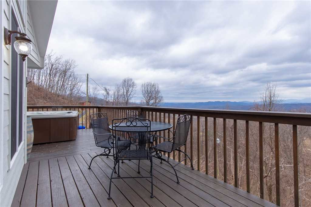 Photo of a Gatlinburg Cabin named Kickback Kabin - This is the nineteenth photo in the set.