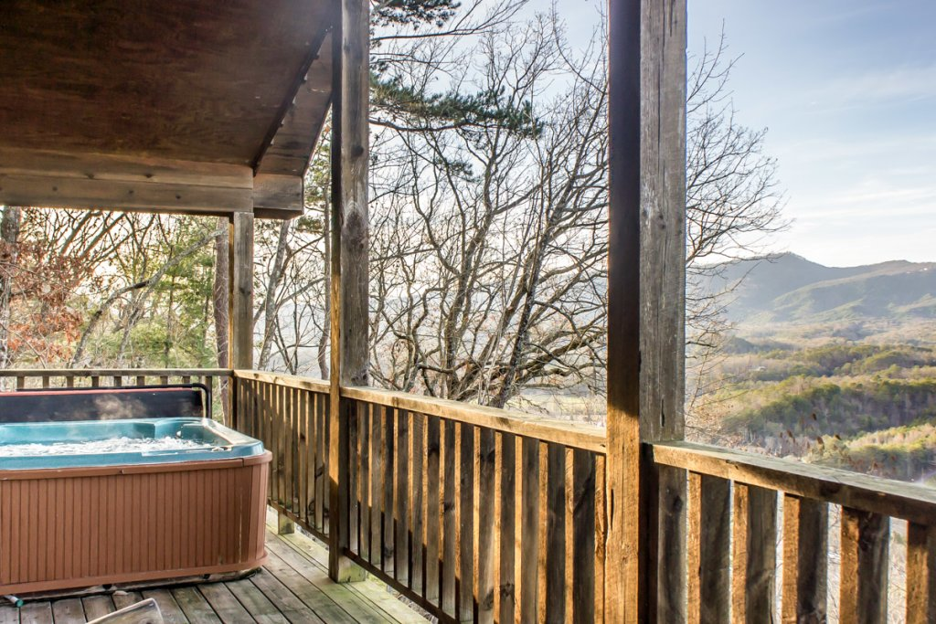 Photo of a Sevierville Chalet named Lucky Star - This is the second photo in the set.