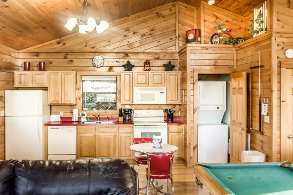Photo of a Sevierville Chalet named Lucky Star - This is the tenth photo in the set.