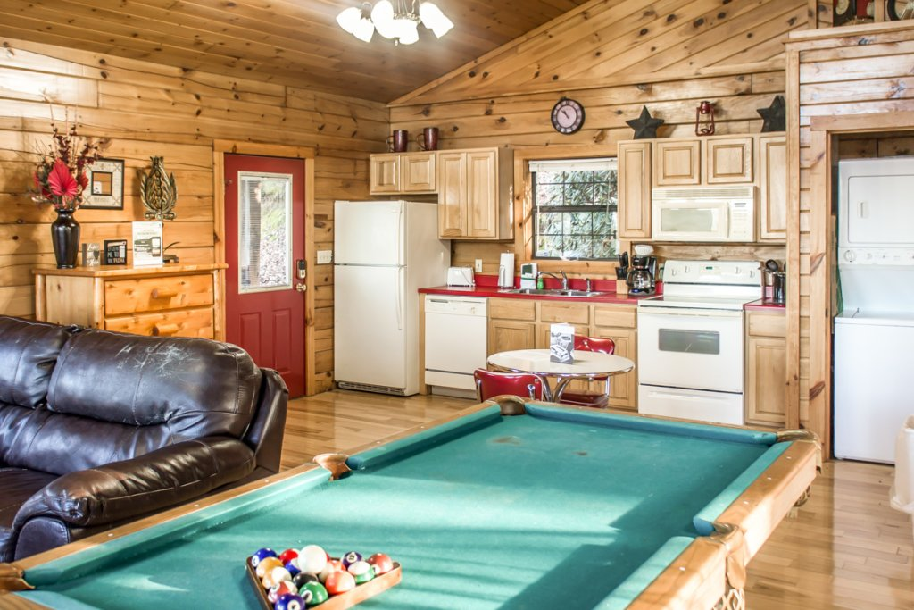 Photo of a Sevierville Chalet named Lucky Star - This is the ninth photo in the set.