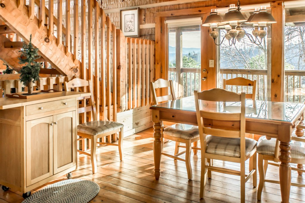 Photo of a Pigeon Forge Cabin named Halleluia - This is the tenth photo in the set.